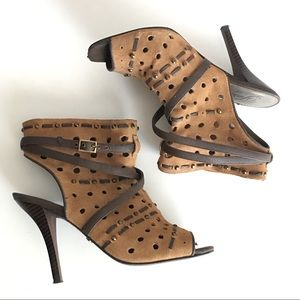 FERGIE brand brown leather heels Size 8.5